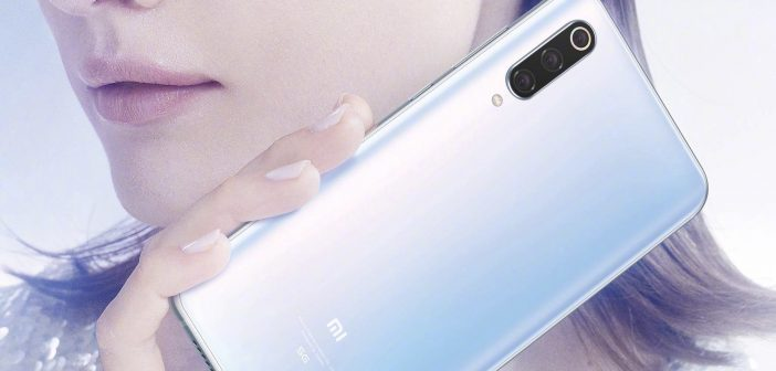 Xiaomi le hace un guiño a Apple cargando los AirPods a través de la carga reversible del Xiaomi Mi 9 Pro 5G. Noticias Xiaomi Adictos