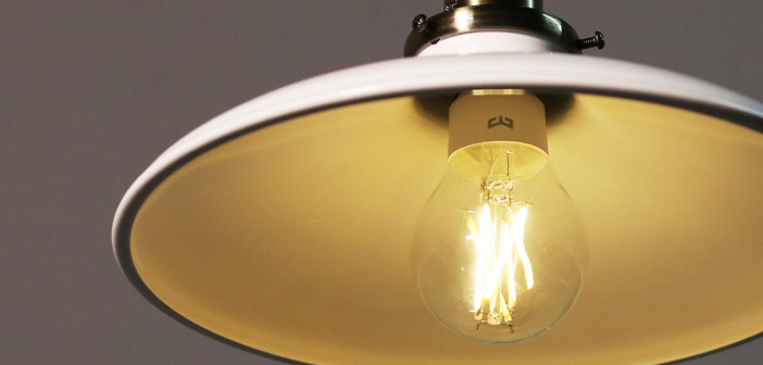 Yeelight anuncia una nueva lámpara Sense Smart Table junto a un atractivo bombillo retro compatible con HomeKit, Alexa y Google Assistant. Noticias Xiaomi Adictos