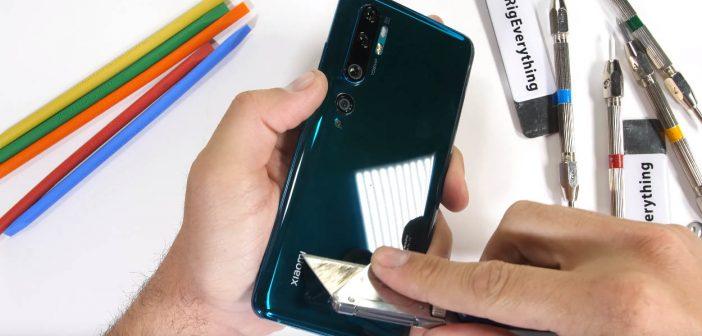 El Xiaomi Mi Note 10 sobrevive a las duras pruebas de JerryRigEverything convirtiéndose en el smartphone mas resistentes de Xiaomi. Noticias Xiaomi Adictos