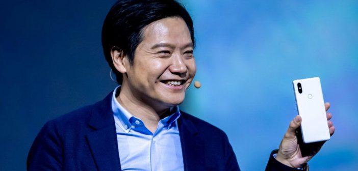 El CEO de Xiaomi lo pillan haciendo uso de un iPhone. Noticias Xiaomi Adictos