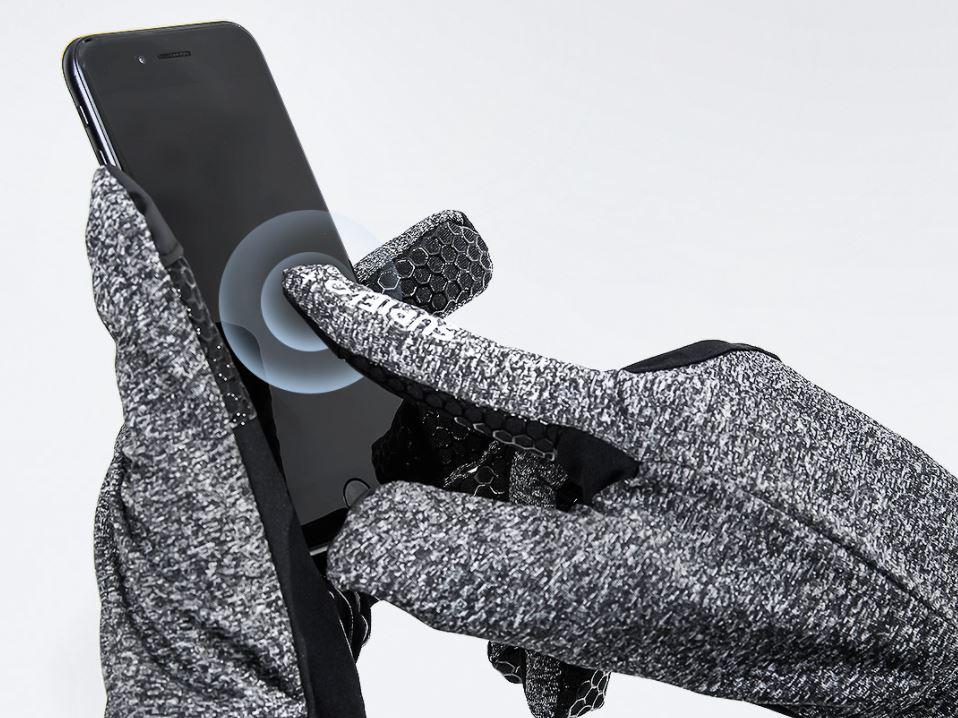 Xiaomi pone a la venta unos guantes a prueba de frío que no evitan que uses tu smartphone. Noticias Xiaomi Adictos