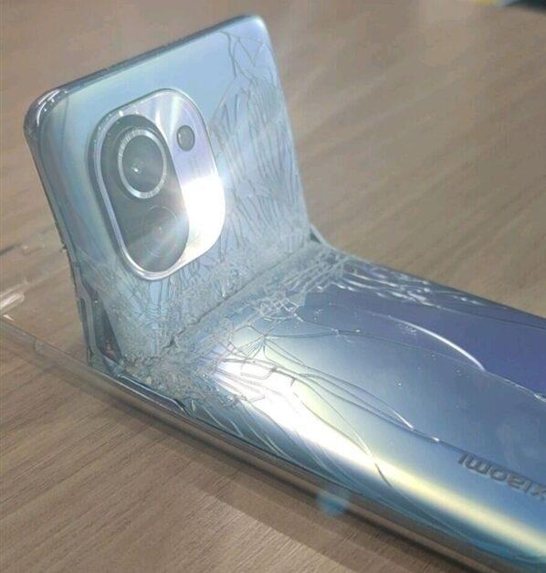 Intentar convertir el Xiaomi Mi 11 en plegable y este es el resultado. Noticias Xiaomi Adictos