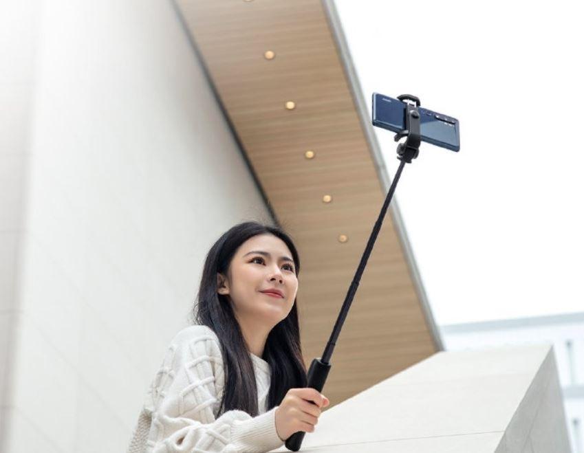 Xiaomi renueva su palo selfie con botones para zoom remoto y cambio de cámara. Noticias Xiaomi Adictos