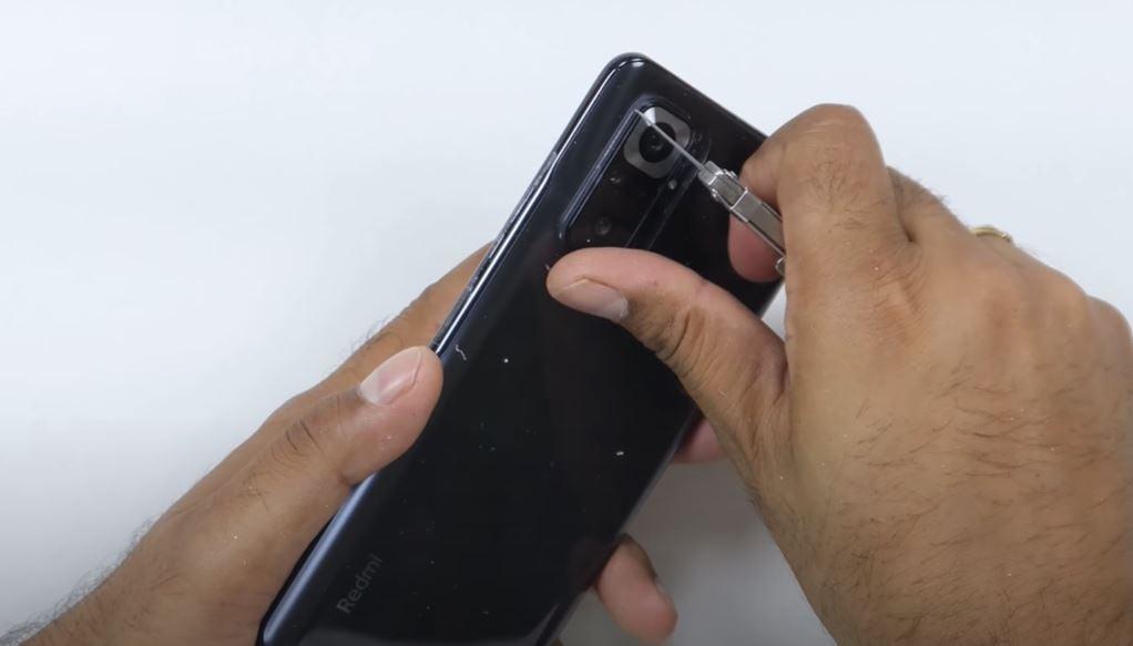 El Redmi Note 10 Pro tampoco supera las pruebas de resistencia y termina doblándose. Noticias Xiaomi Adictos