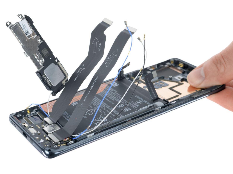 El Xiaomi Mi 11 pasa por las manos de iFixit, ¿qué tan reparable es?. Noticias Xiaomi Adictos