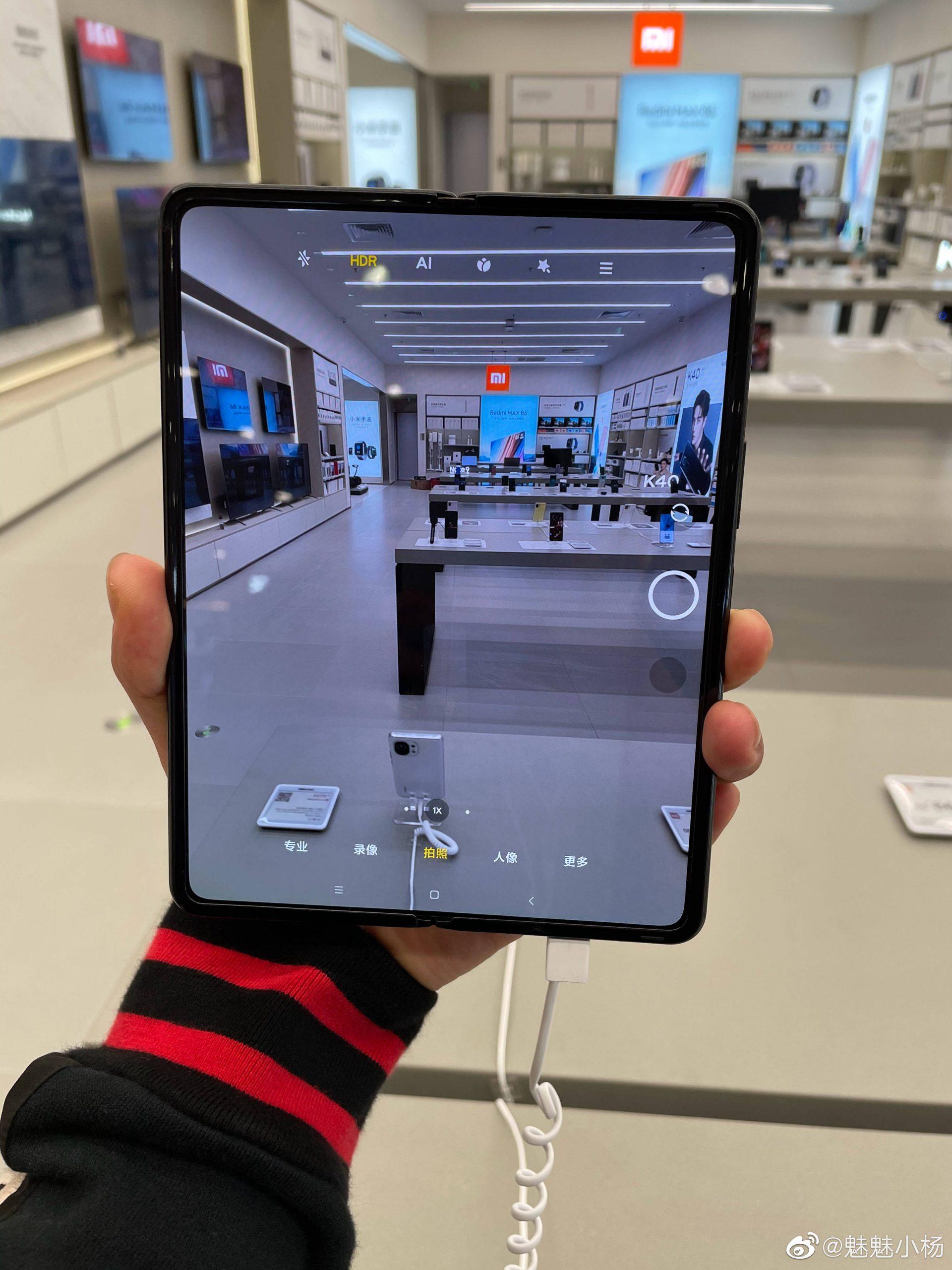Así luce el Xiaomi Mi Mix Fold y su pantalla plegable en imágenes reales. Noticias Xiaomi Adictos