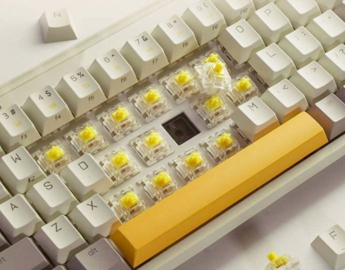 Xiaomi lanza un nuevo teclado mecánico de diseño retro e iluminación RGB. Noticias Xiaomi Adictos